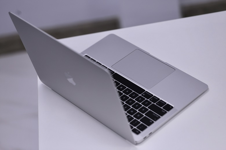 Macbook Air 13 Touch ID Core i3 1.1GHz/8GB/256GB (2020) Chính hãng